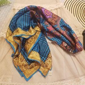 NWT VTG Elaine Gold Marshall Fields Silk Scarf